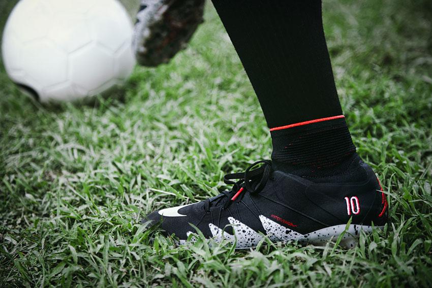 футбольные бутсы Nike Hypervenom Phantom II Neymar
